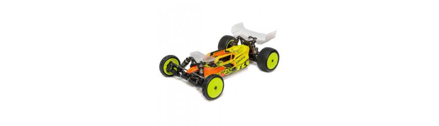 TLR 22 5.0 2WD och 22x-4 4WD